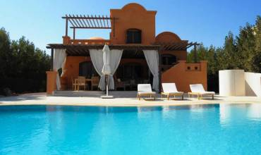 For Sale 3 Bedroom Villa In West  Golf 3 With Private Pool In El Gouna